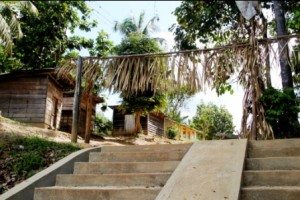 Ingang dorp Pingpe